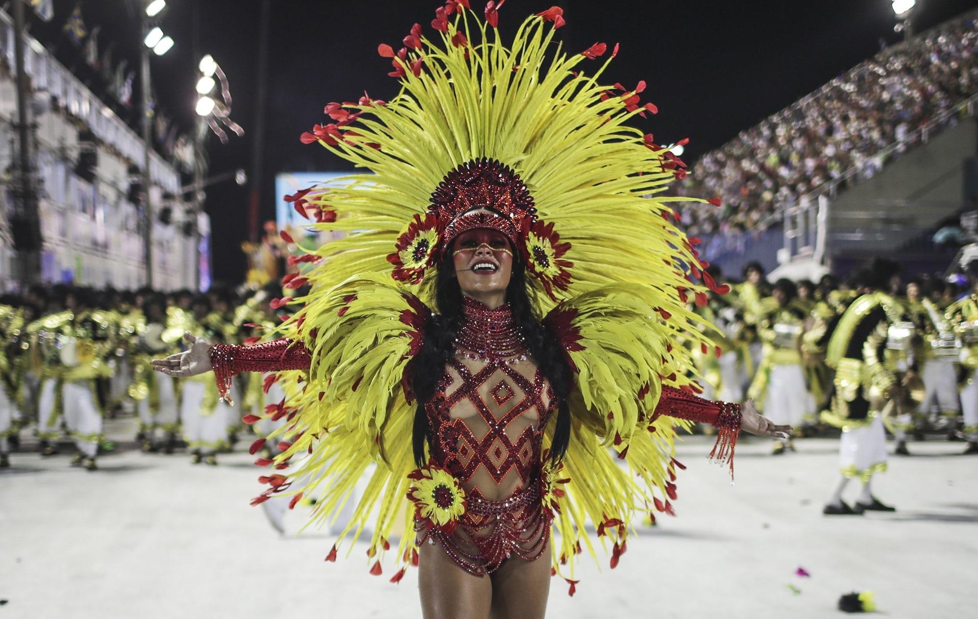 Головной убор на карнавале